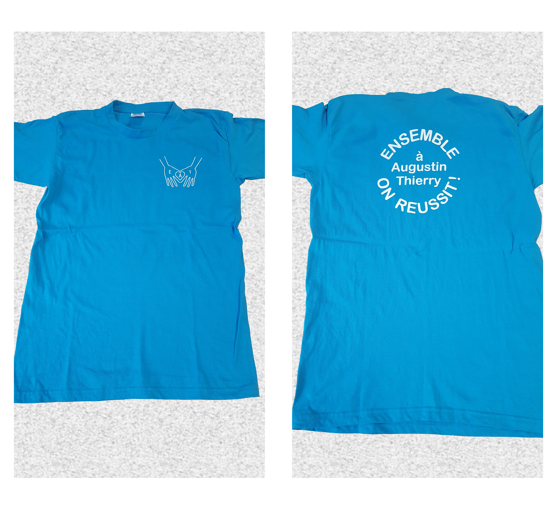 J'ai réalisé un logo et un slogan pour l'Ecole Agustin Thierry. Impression direct sur 103 t-shirts